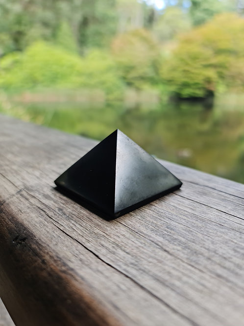 5cm Polished Shungite Pyramid