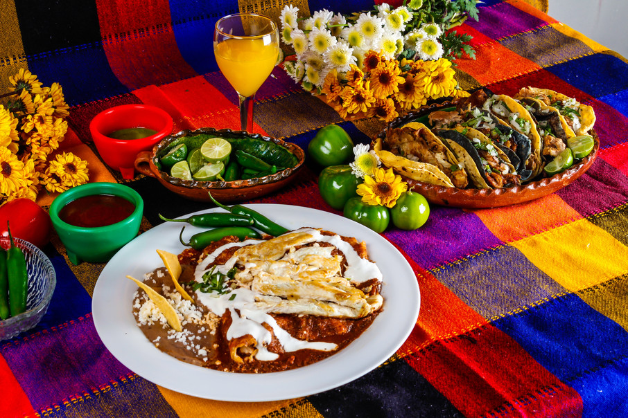 mexican-food-7LM35DH.jpg
