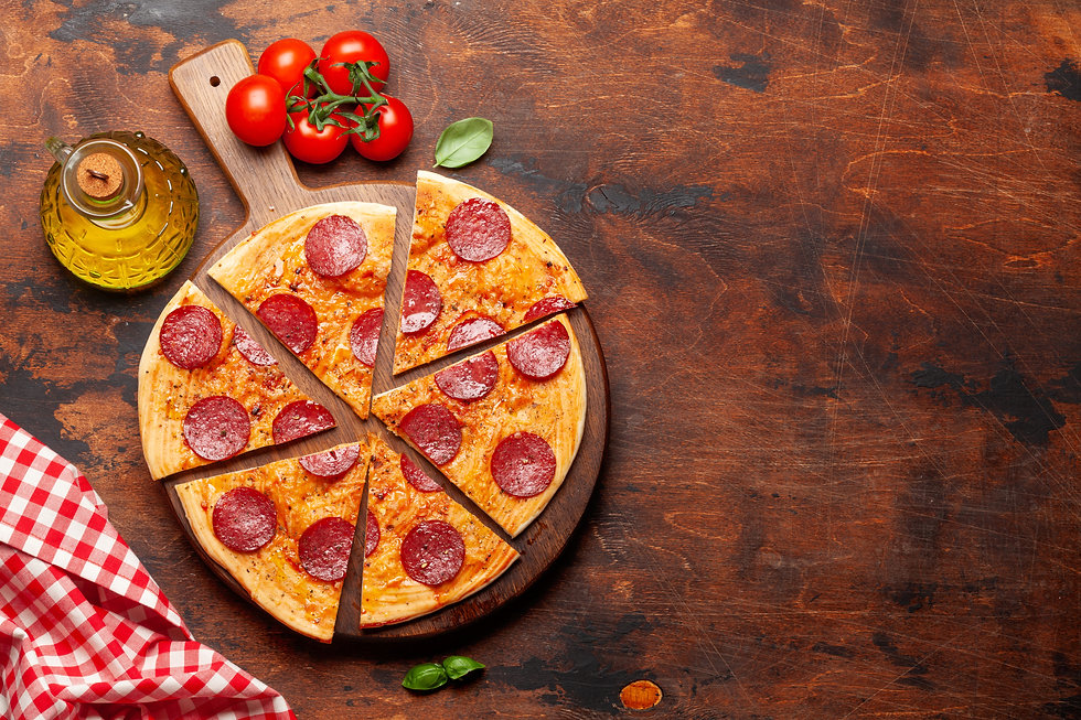 tasty-homemade-pizza-with-pepperoni-SPWE