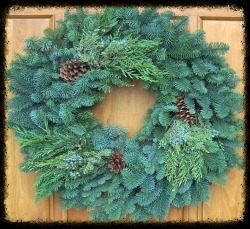 "22"" Traditional Wreath"