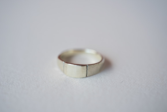 K10 Gold delicated signet rings 3