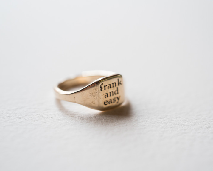 frank and easy sign ring1