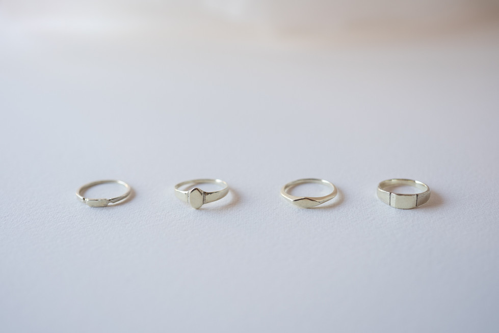 K10 Gold delicated signet rings 5