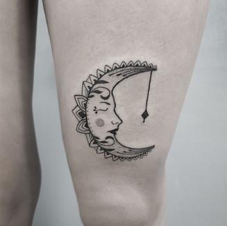 moon11.jpg