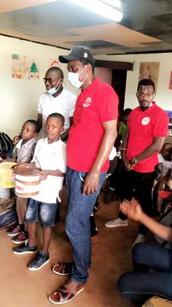 Remise de dons à l'OSV de Douala_04.12.2020