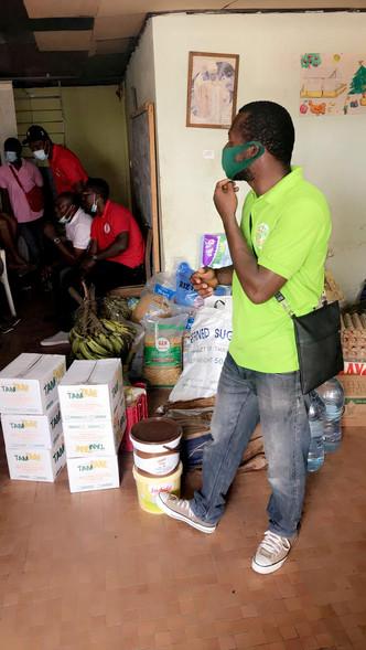 Remise de dons_Douala 04.12.2020