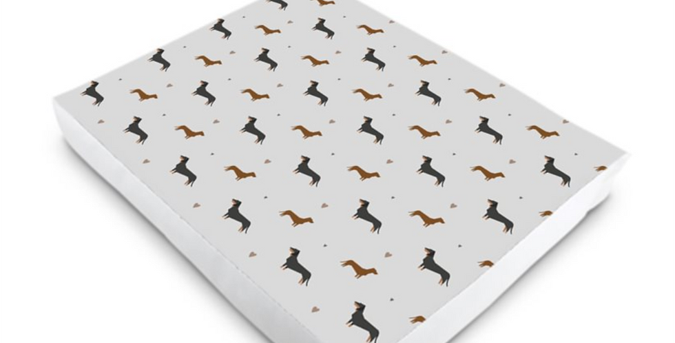 Luxury Dog Bed (S-XL) - Slinky Sausages