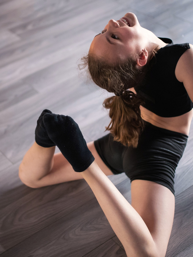 beautiful-girl-practicing-and-exercising