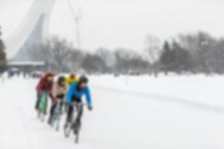 course vélo sur glace