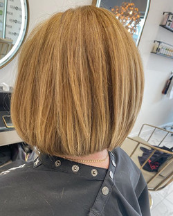 B O B 💇🏼♀️ Lovely colour achieved by