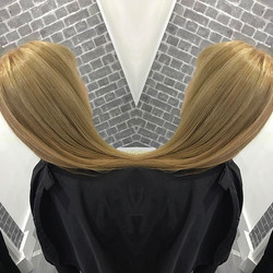 Sometimes straight ✔️ Warm blonde tones by Jill Bliss _Contact now to book your free colour consulta