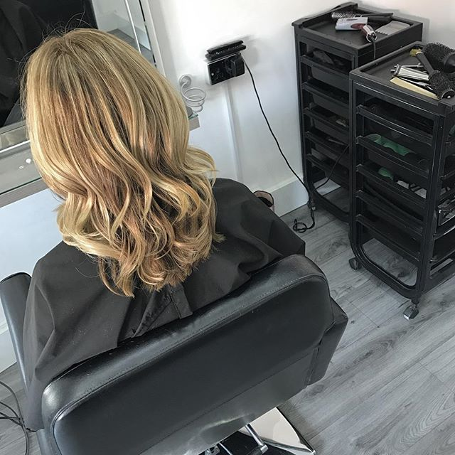Start the week as you mean to go on 💁__Colour by Jill _Cut & blowdry by lawson