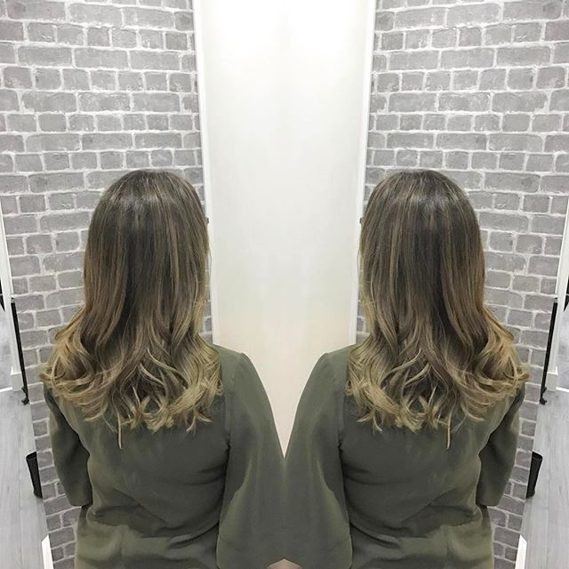 It's Always a pleasure doing _ilovesamround hair ✂_-_Beautiful Colour and cut today -_Contact now to