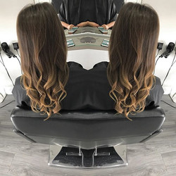 Friday morning curls ready for the weekend 💁_Lovely to see _ojonesxoxo _Call today to book in 01384