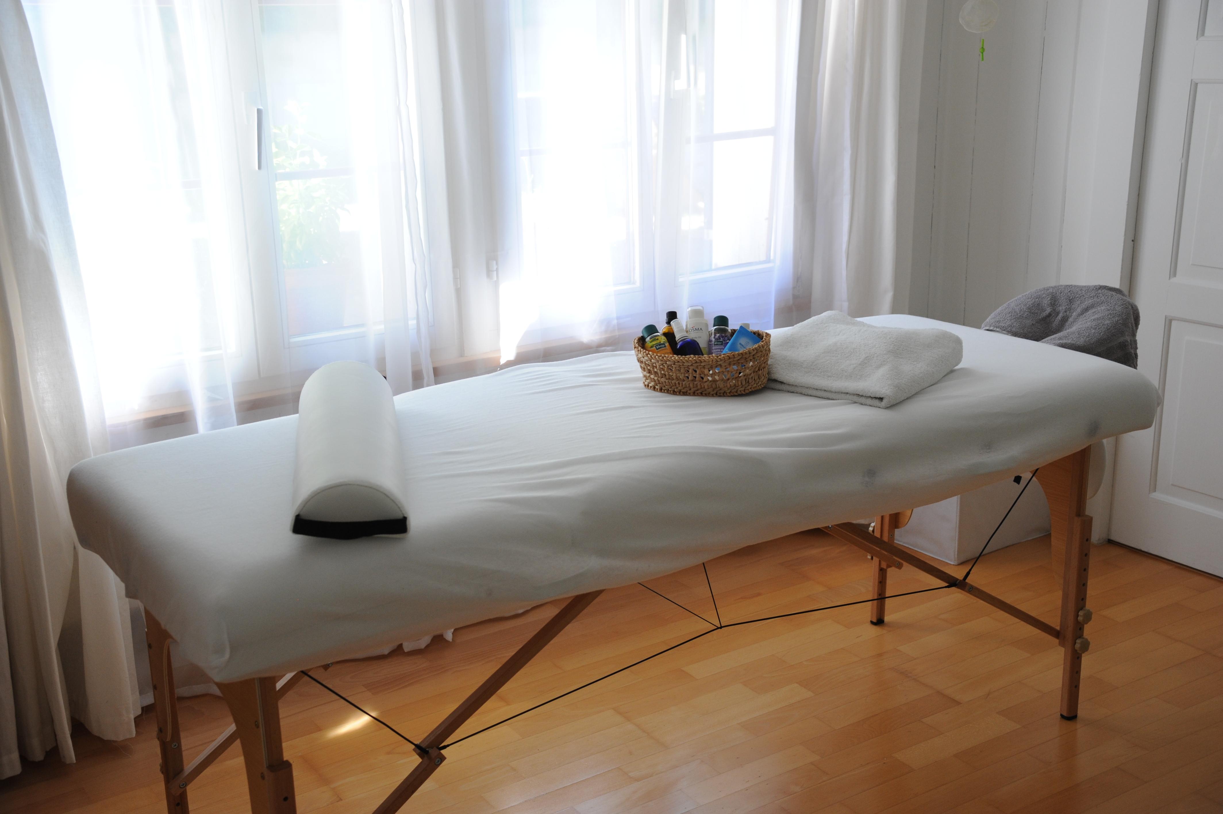 Massagetisch ohne Sofa