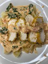 40 minute Sun-dried tomato butter pasta and chicken dish