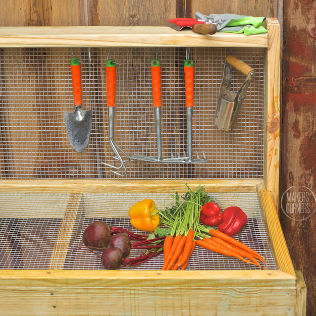 DIY: How to Make a Vegetable Washing Station Using Hardware Cloth