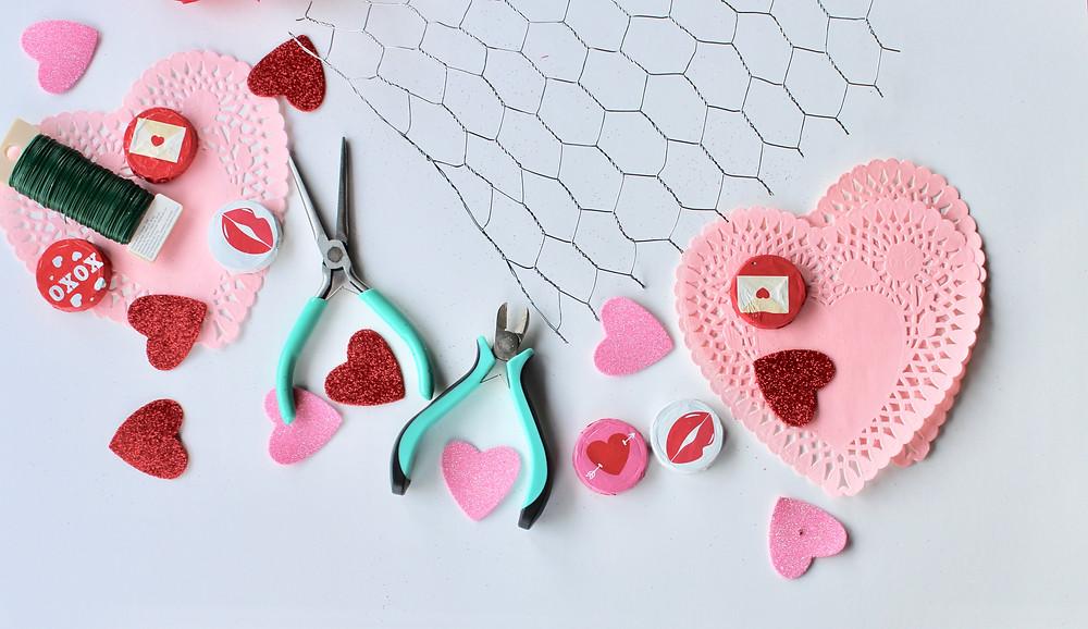 chicken wire with Valentine's Day decor