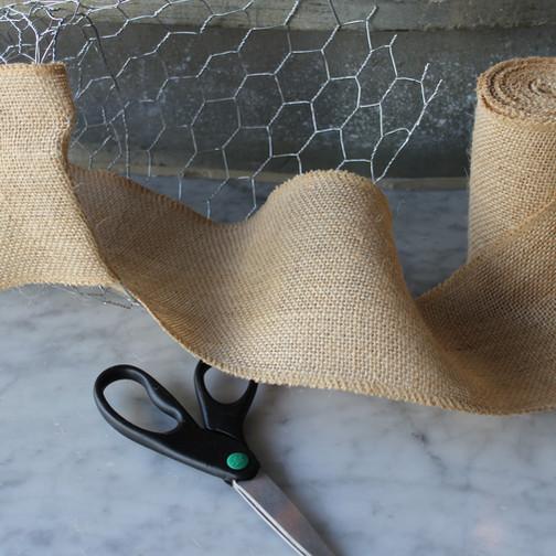 burlap-wrap-chicken-wire