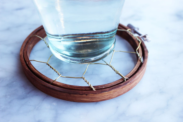 DIY: How to Make a Coaster Using Chicken Wire