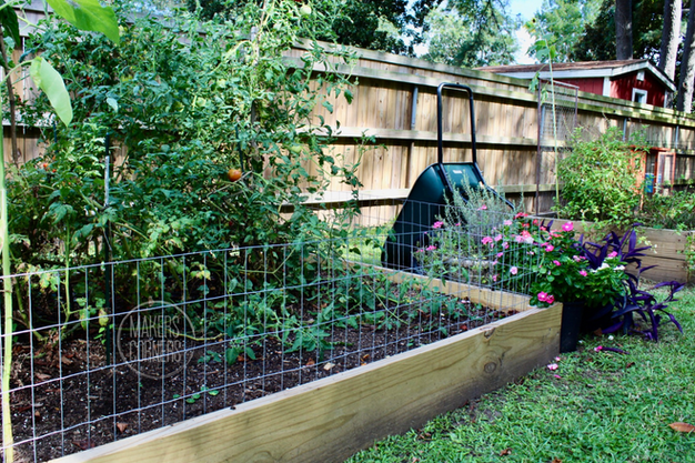 DIY: How to Build a Welded Wire Garden Fence