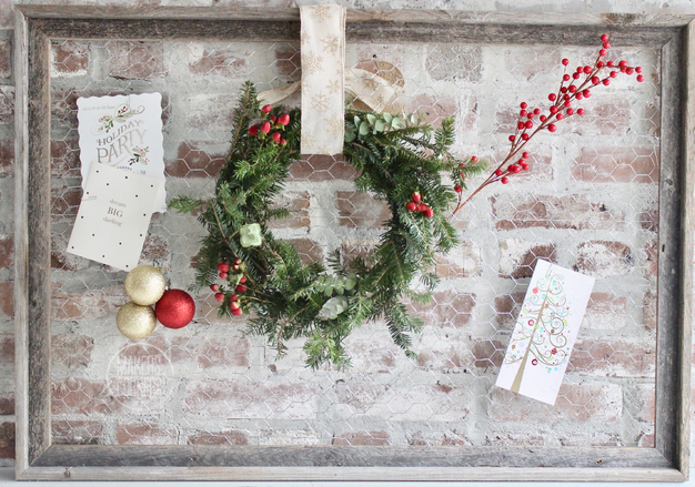 DIY: Chicken Wire Holiday Card Holder