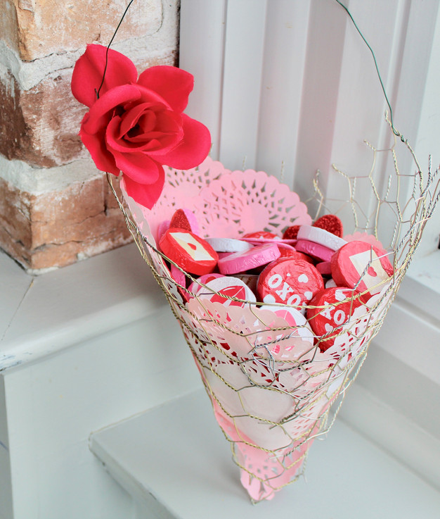 Valentine's Day DIY Project: Candy Holder