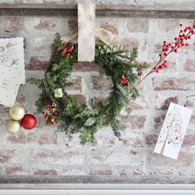 chicken-wire-wreath