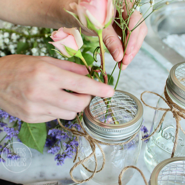 DIY: Mason Jar Flower Arrangement