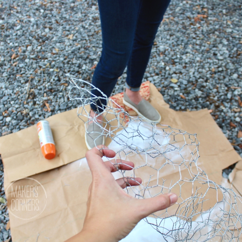 chicken wire pumpkin stem