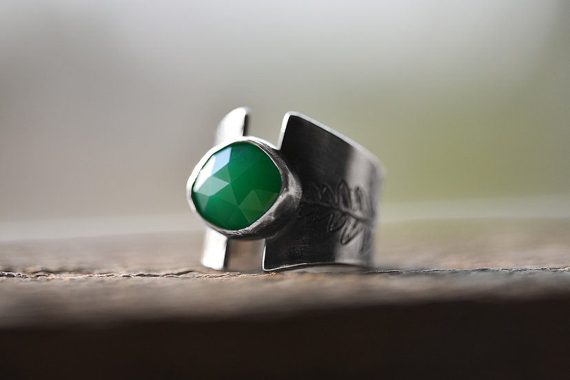 Chrysoprase & Fern Impression Ring - Sterling Silver - Size 6.5 - 7