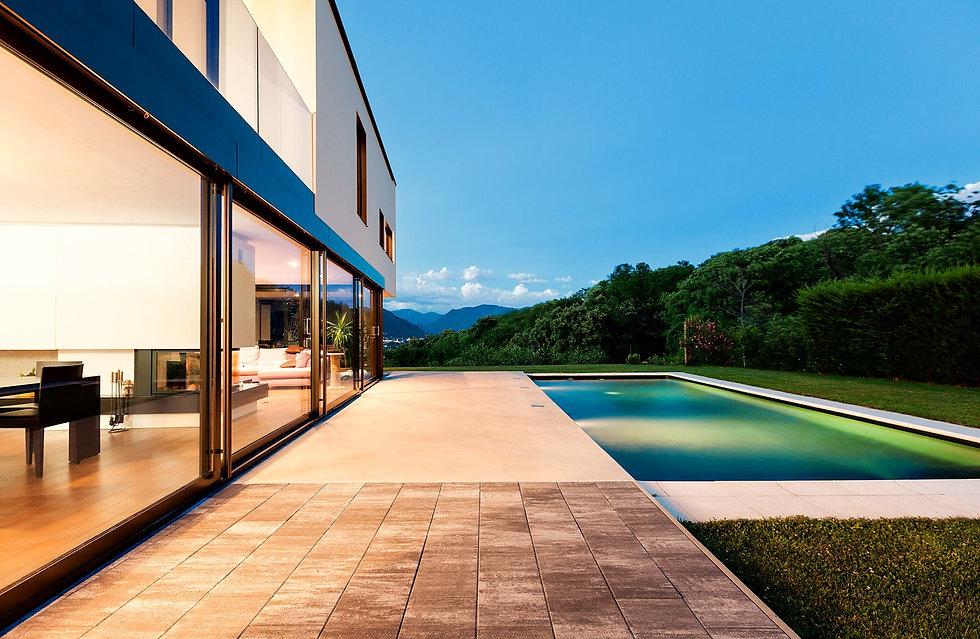 Modern Luxury Home_edited.jpg