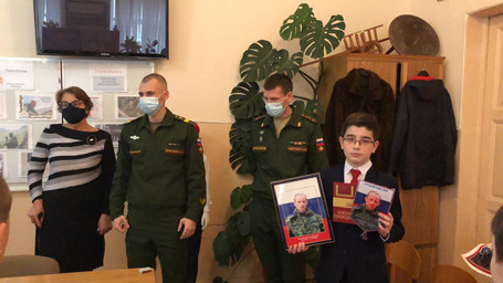 Имя Героя России Шевелева А.М. присвоено классу