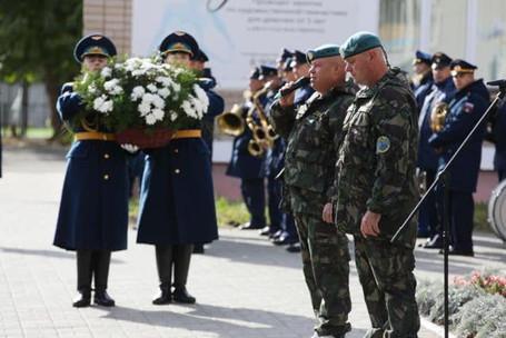 Открыт памятник  Герою России Сергею Молодову