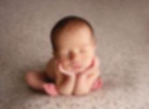newborn-photography-baby-boy-froggie-pos