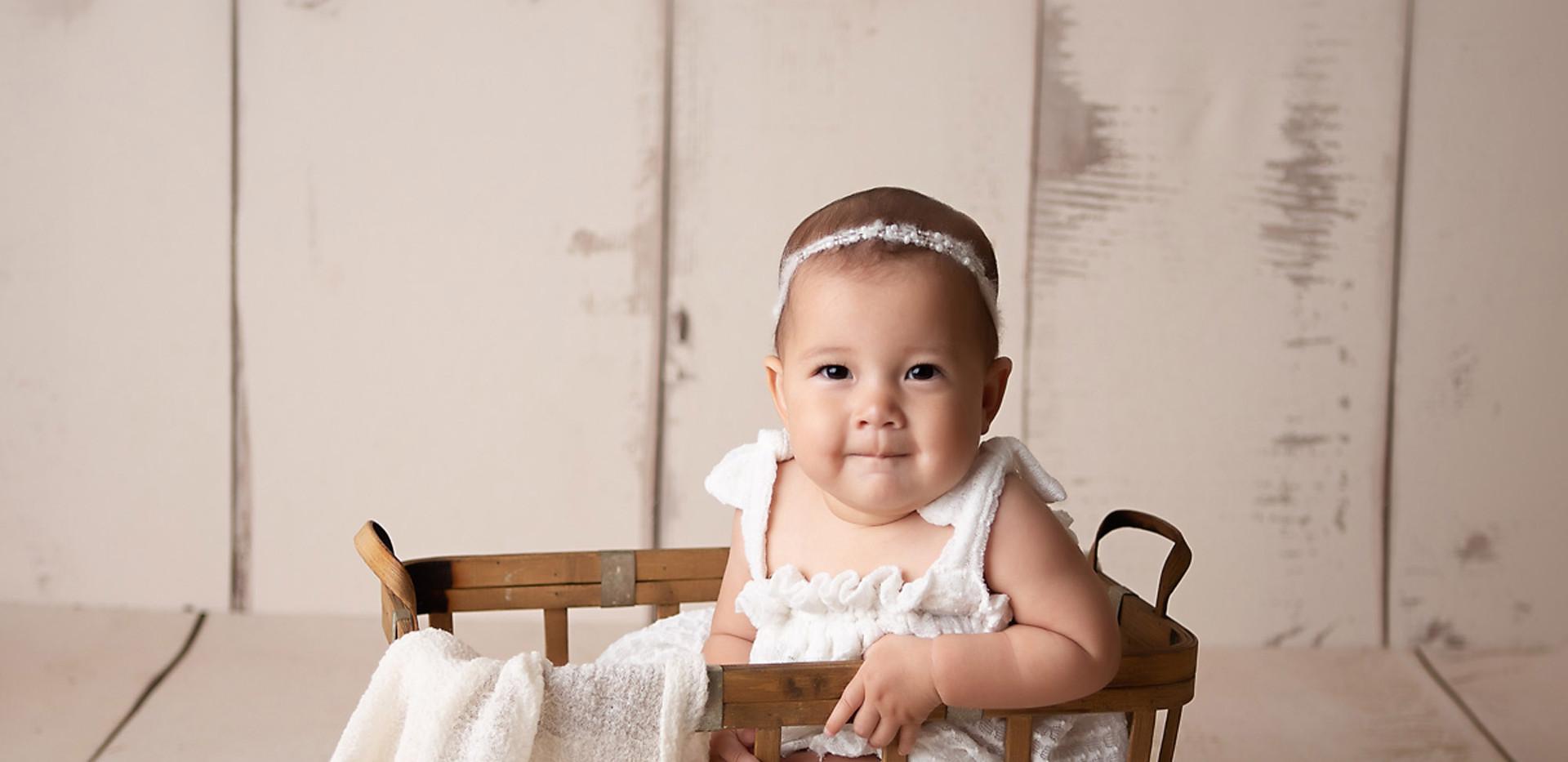 baby-photography-milestone-basket-white-