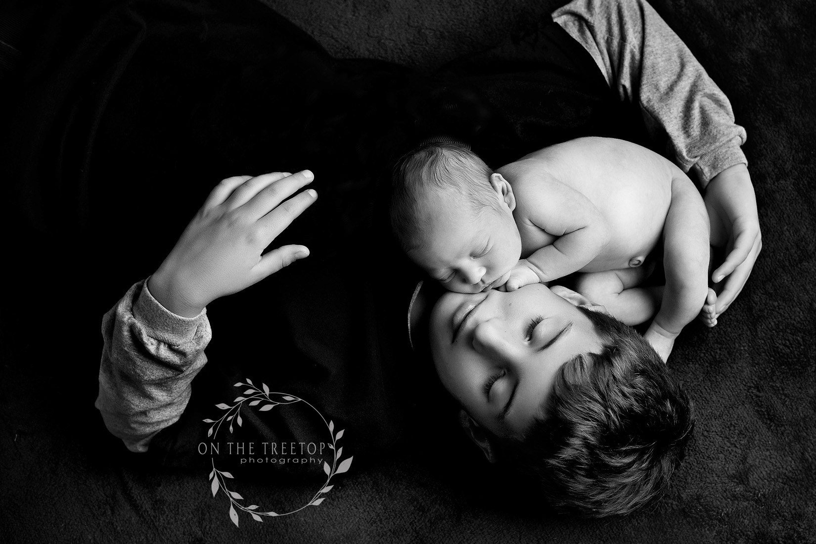 newborn-and-sibling-photography-aliso-vi