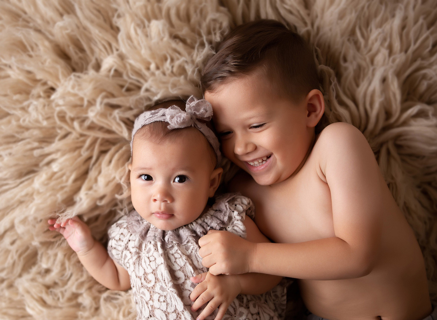 baby-photography-milestone-siblings-sist