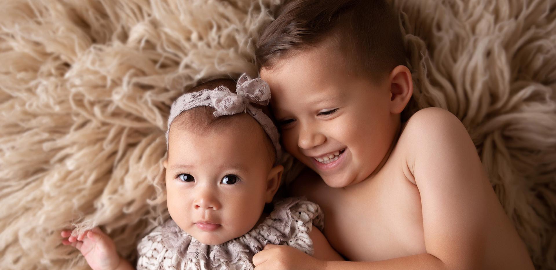 baby-photography-milestone-siblings-sist