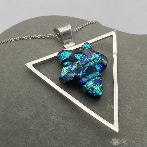 Mosaic leaf in triangle