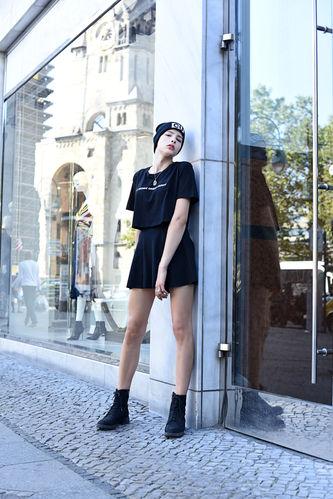 Model   Melina