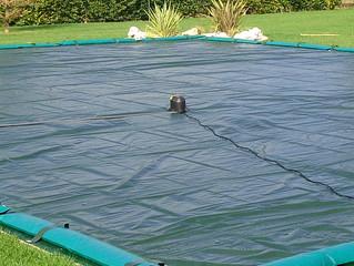 Perchè usare per la tua copertura della piscina la pompa svuota Teli?