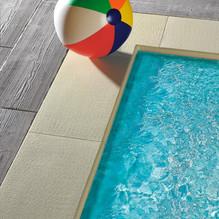 bordi piscina.jpg