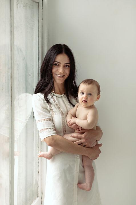 Sari.MotherhoodSession-19.jpg