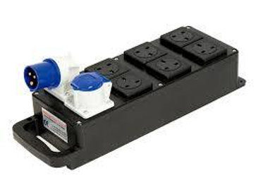 6 way 13a Rubber box Plug board c/w 16a in & Thru