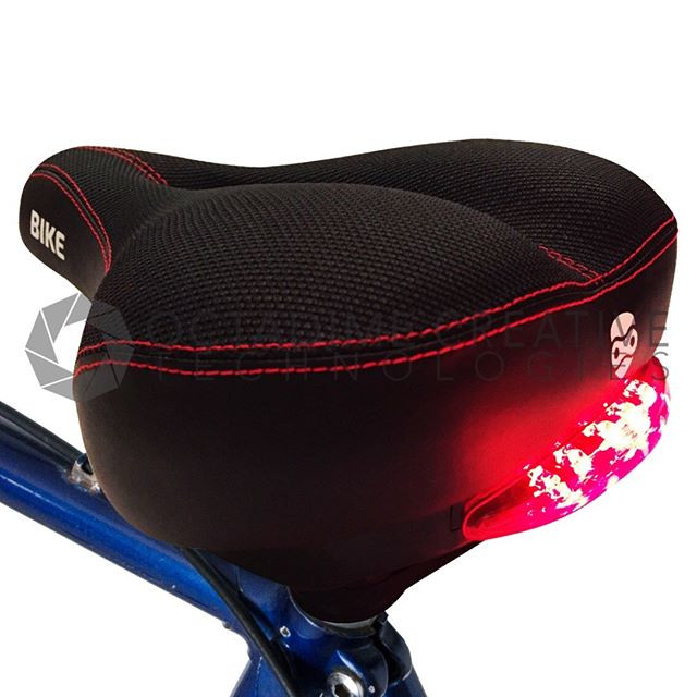 Red Tail Lights Comfort Saddle