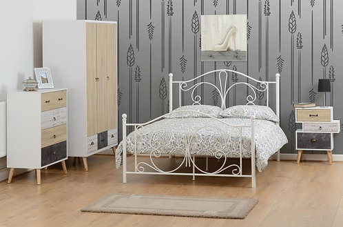 "Annabel 4'6"" Bed in White"