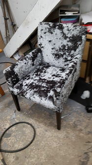 funky chair.png