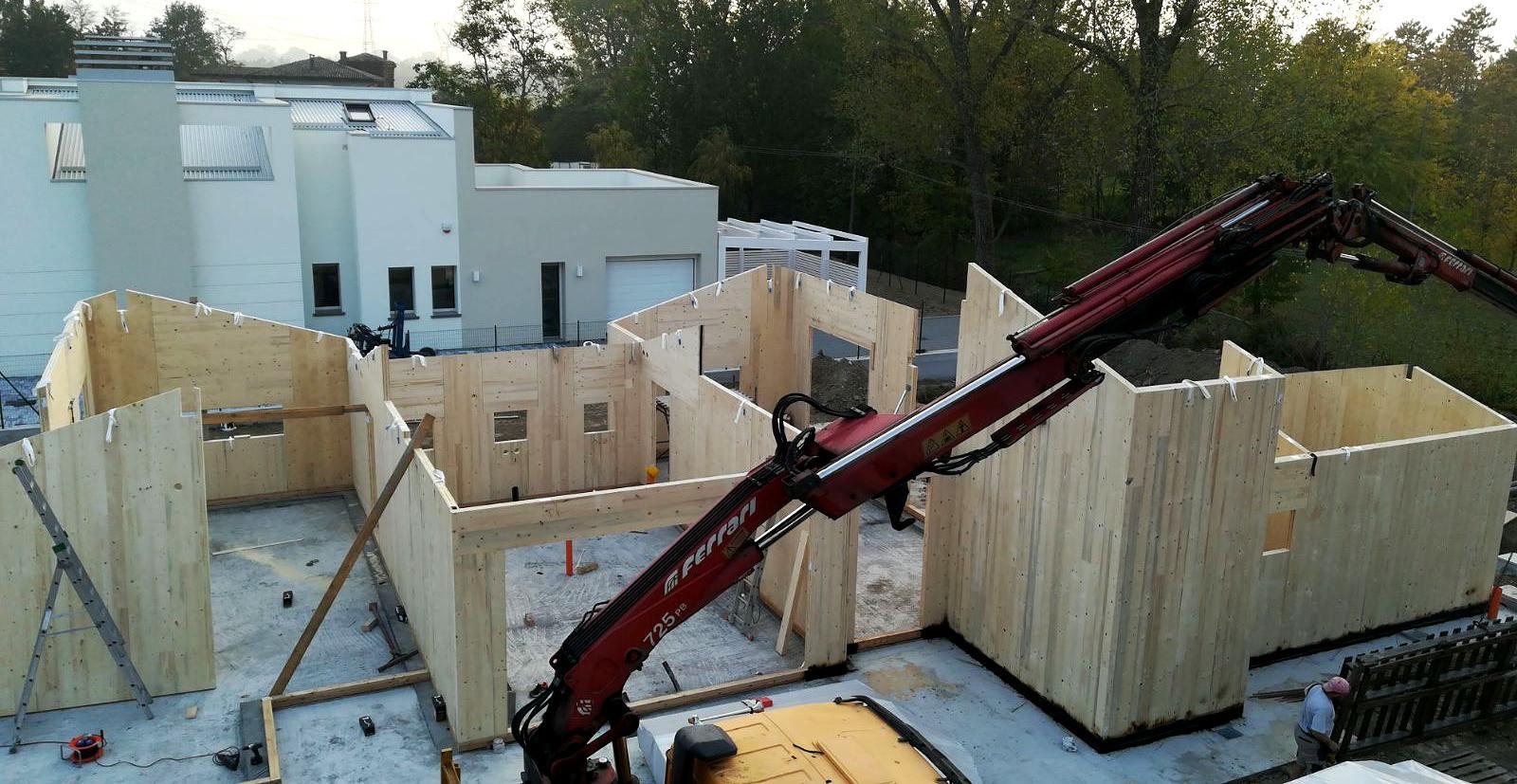 Case in legno a parma in costruzione