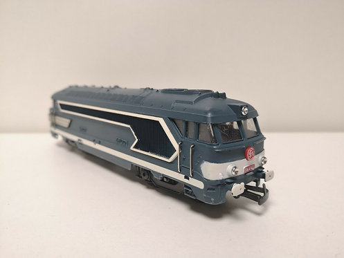 Locomotive diesel BB67001 JOUEF HO